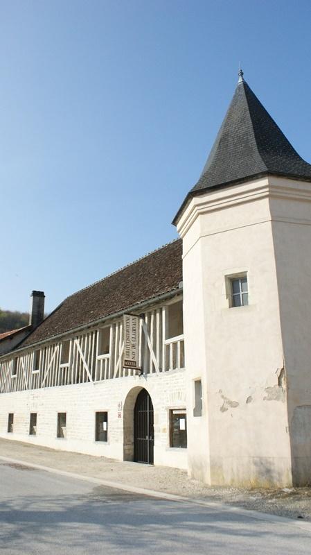 abbaye de clairvaux ville sous laferte visite abbaye de clairvaux chaumont en champagne. Black Bedroom Furniture Sets. Home Design Ideas